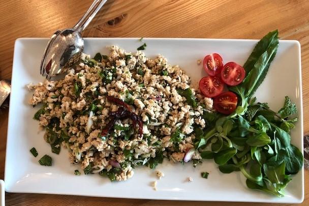 Hühnersalat | Laab Gai (Variation mit Schwein, Rind, Tofu)